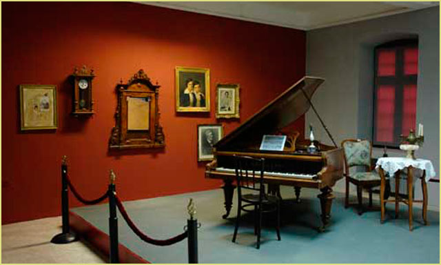 Exhibition – The Pianos in Bitola (NI Institute and museum Bitola)